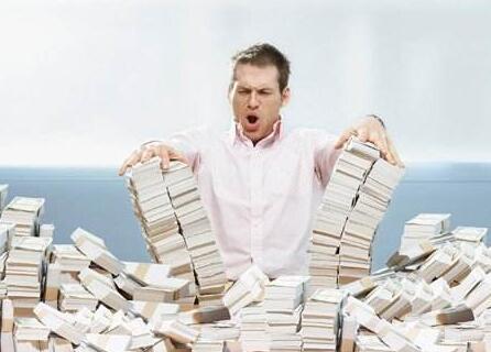 为了搞钱,他居然干这个...